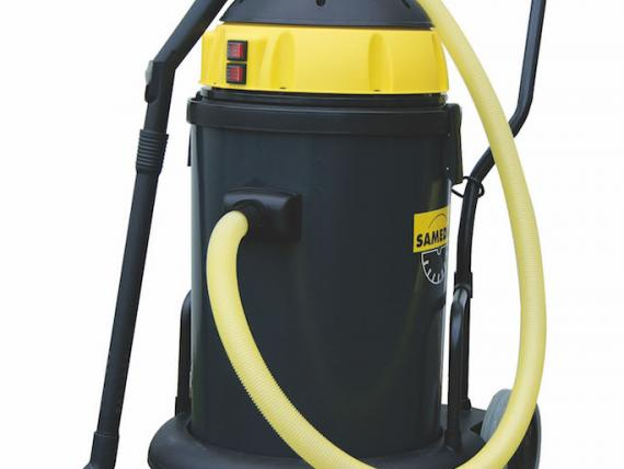 VAC 400 vacuum cleaner for dust and water, by SAMEDIA